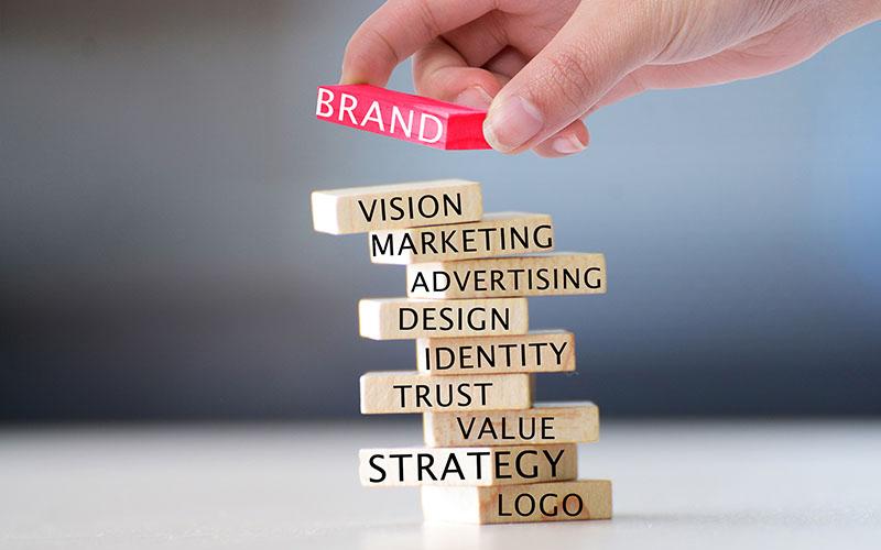 传统邮件+短信+电话营销方式逐渐淡出营销主阵营1